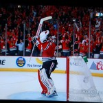 Jubelt Corey Crawford auch am Ende der Finalserie? - Screenshot Copyright Sport1 US HD