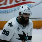 Langer Bart und gute Leistung Brent Burns - Screenshot Copyright Sport1 US HD