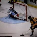 Kann Sergei Bobrovsky die Stürmer der Penguins stoppen? - Screenshot Copyright Sport1 US HD